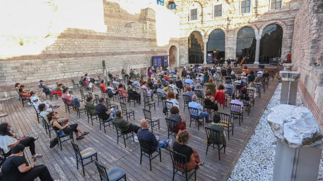 """""""Avluda Klasik Müzik"""" konserleri Camerata Anatolia ile başladı"""